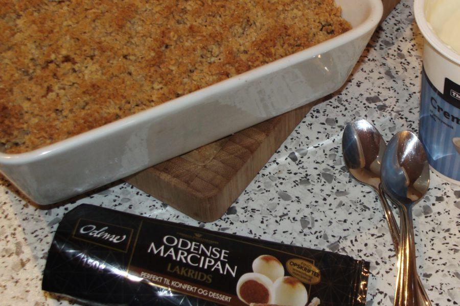 Æblekage de lux - mad lakridsmarcipan