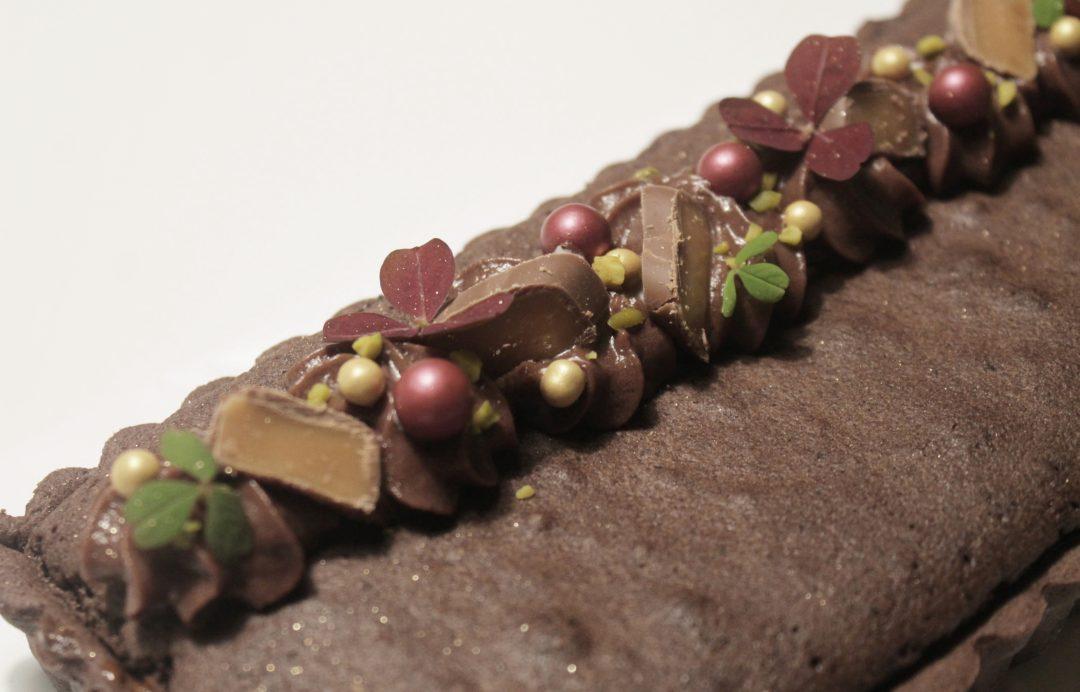 Chokoladetaerte med saltkaramel og brownie