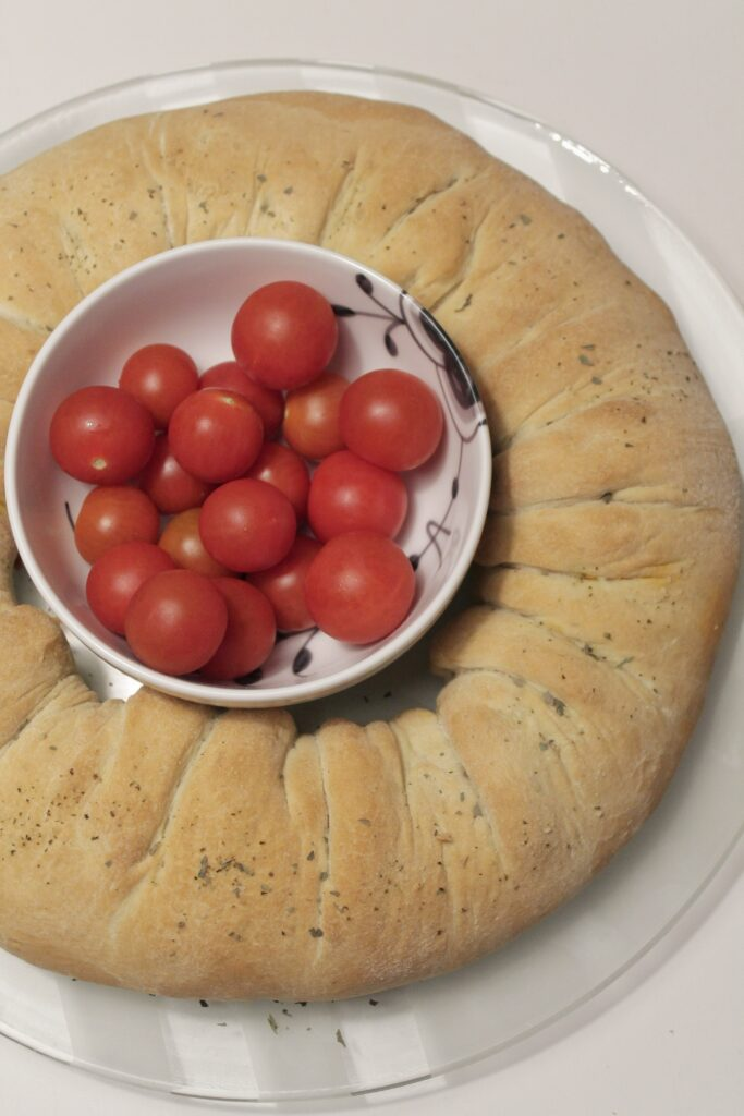 Pizzakrans med pepperoni